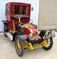 Автомобиль Renault Taxi La Mame, как можно догадаться по названию, предназначался для использования в качестве таксомотора.