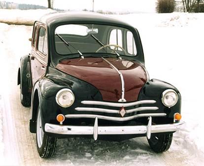 Первой моделью, созданной после реконструкции заводов, стал Renault 4CV. За пять лет было продано полмиллиона таких машин.