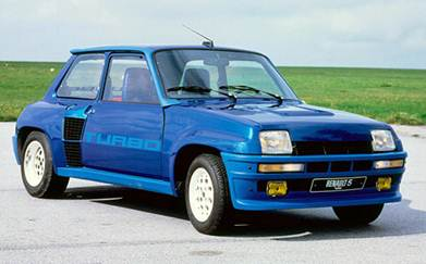 Знаменитый своими раллийными победами Renault 5 turbo был одним из самых «горячих» хэтчбэков своего времени.